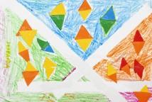 """A partir da leitura do livro """"Poeminhas da terra"""", de Márcia Leite e Tatiana Móes, que faz uma singela homenagem aos momentos simples do cotidiano da vida na aldeia, as crianças criaram seus desenhos."""